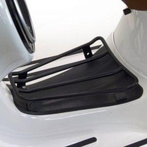 Tavarateline jalkatilaan, Moto Nostra, matta musta, Vespa GTS, GTV ja GT