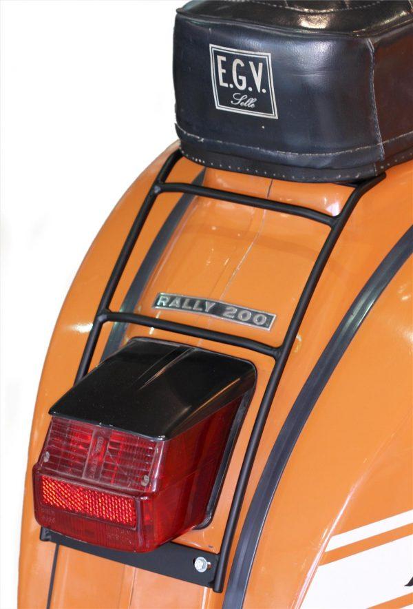 Tavarateline taakse, SIP 70s, hopea, Vespa GT, GTR, TS, Super, GL, Sprint, GS, SS ja Rally