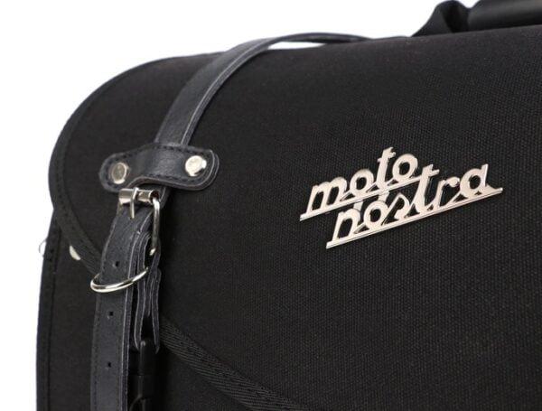 Iso putkilaukku, Moto Nostra Classic, musta vahattu canvas