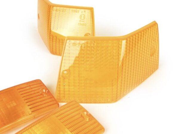 Vilkunlasisarja keltainen Siem, Vespa PX ja T5