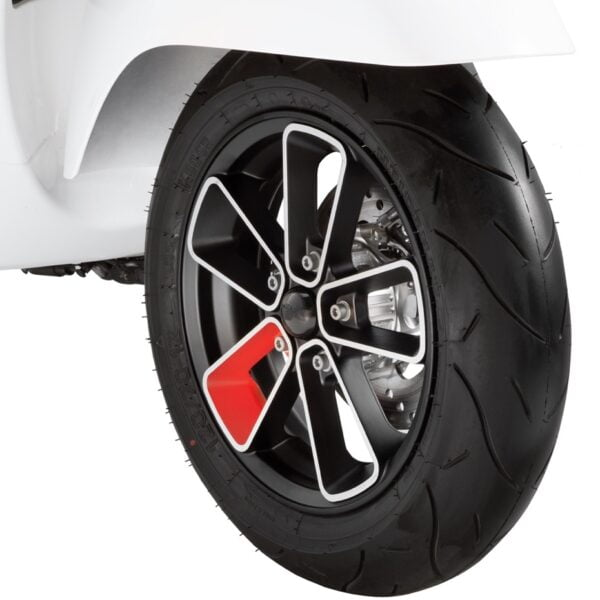 "Vanne SIP Series Pordoi musta/punainen 12"", Vespa GTS, GTV ja GT"